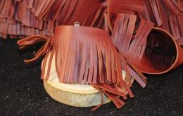 Frange simili cuir 5cm bordeaux