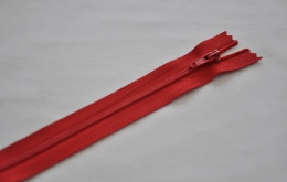 Fermeture éclair fine polyester non séparable rouge