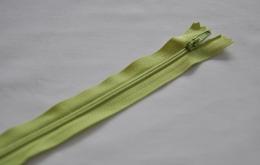 Fermeture éclair fine polyester non séparable vert anis