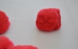 Pompons fourrure lapin 7cm rouge