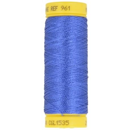 Fil à broder bleu 535